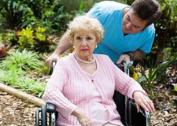 уход за людьми с деменцией